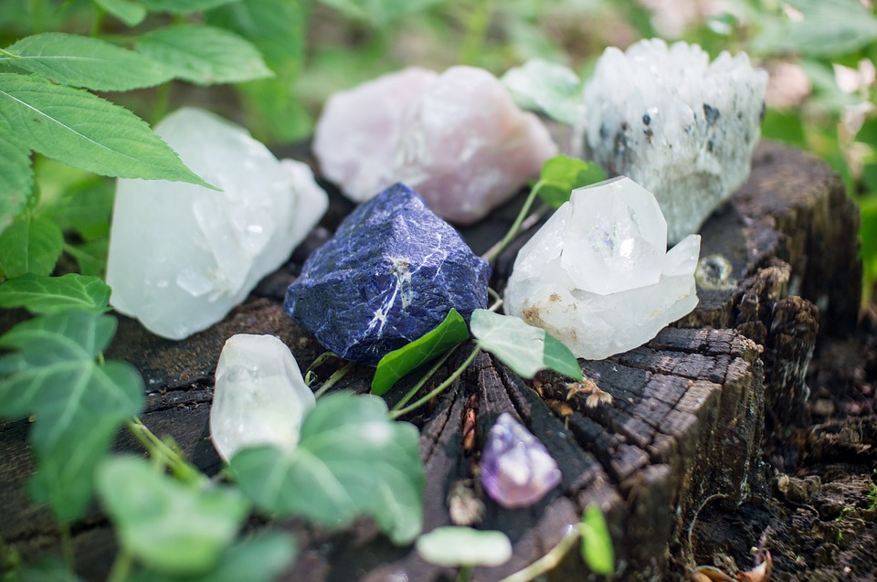 Quartz-Stones-Mystic-Crystals-Healing-Spiritual-1567953