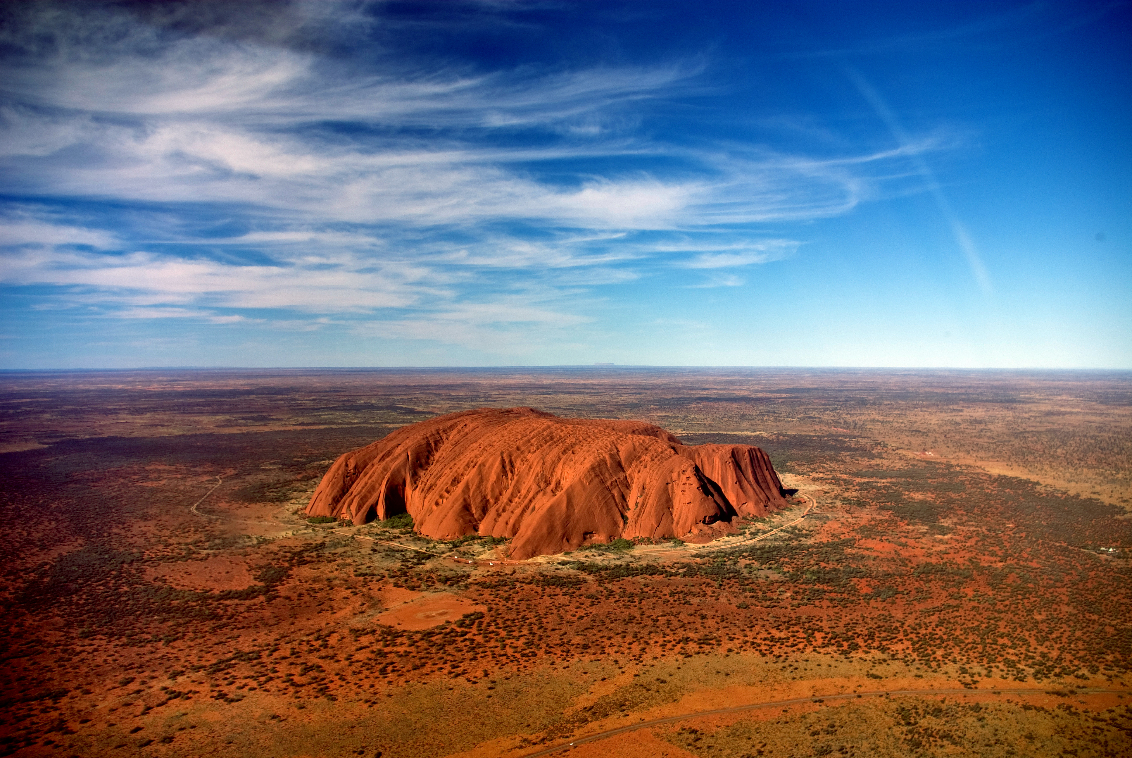 Uluru-_helicopter_view-1