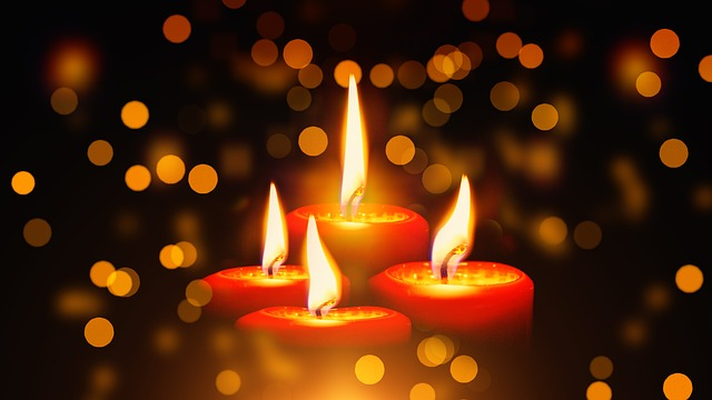 candles-1891197_640-1