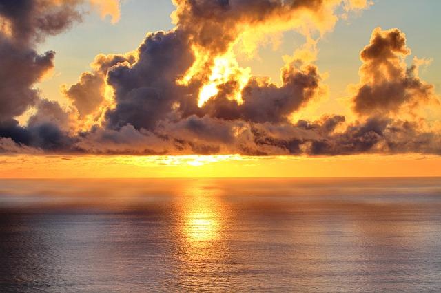 clouds-648550_640