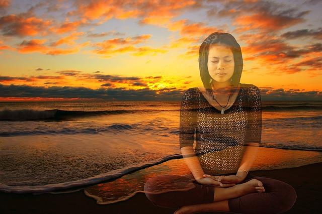 meditating-1170645_640-1