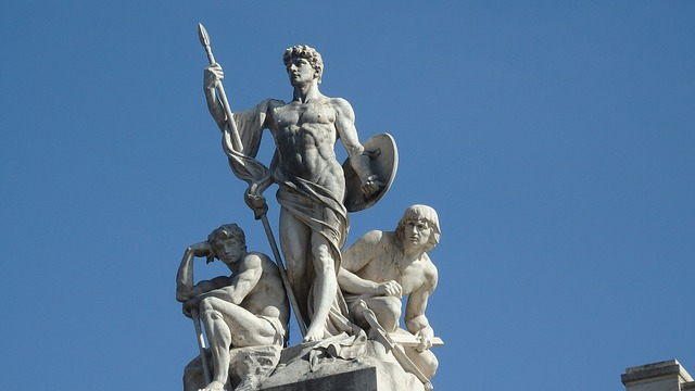 statue-2744337_640