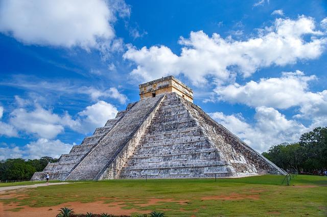 pyramid-2826190_640