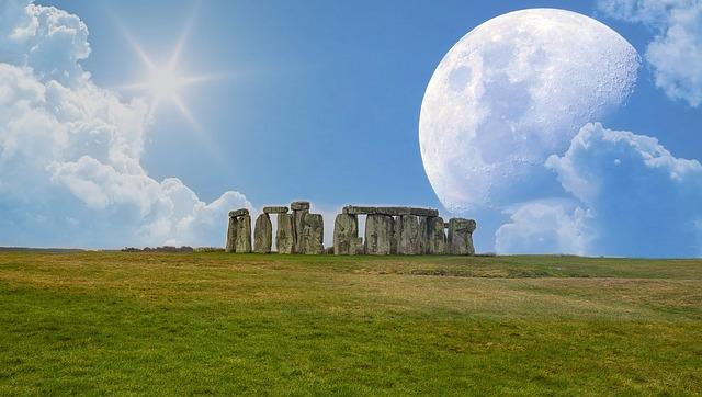 stonehenge-2294032_640