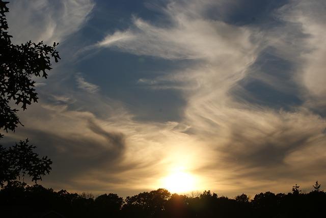 clouds-2183509_640