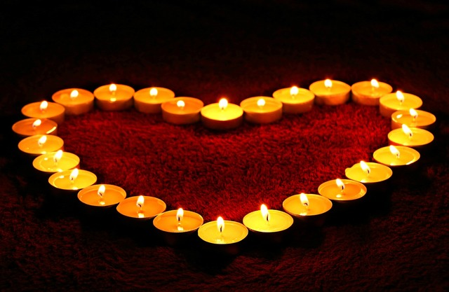 Candles-heart-flame--emotions.
