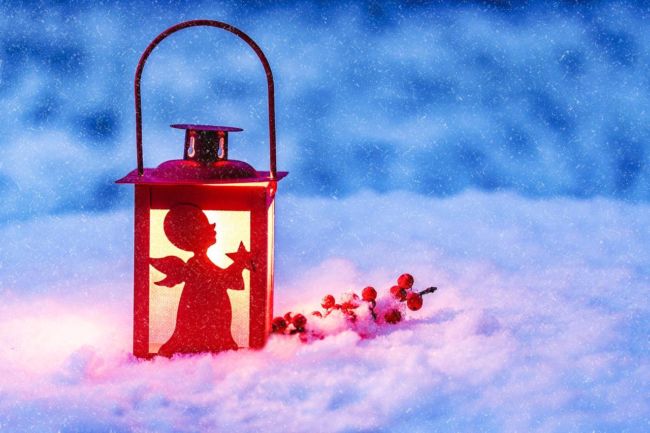 lantern-3015407_1280-1