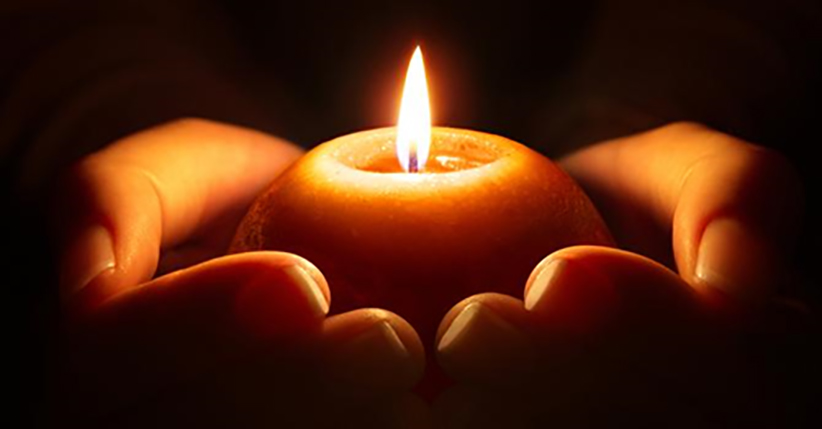 hand-candle-1