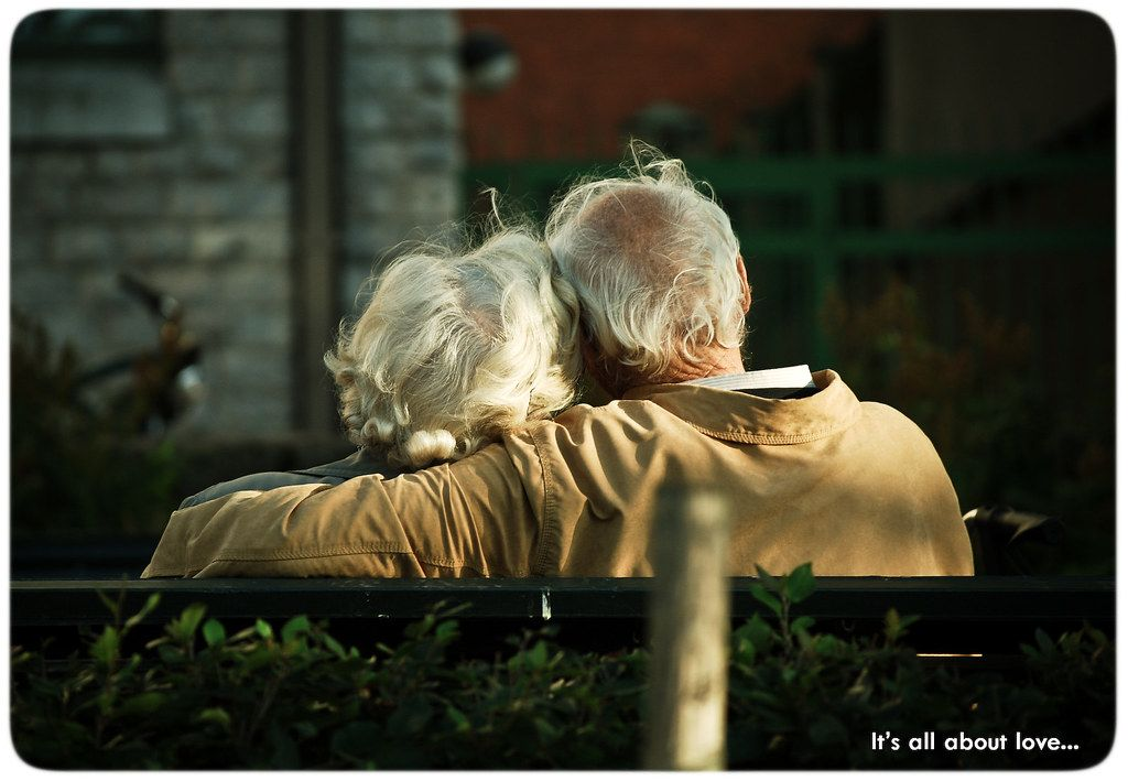 Old_couple_love-1