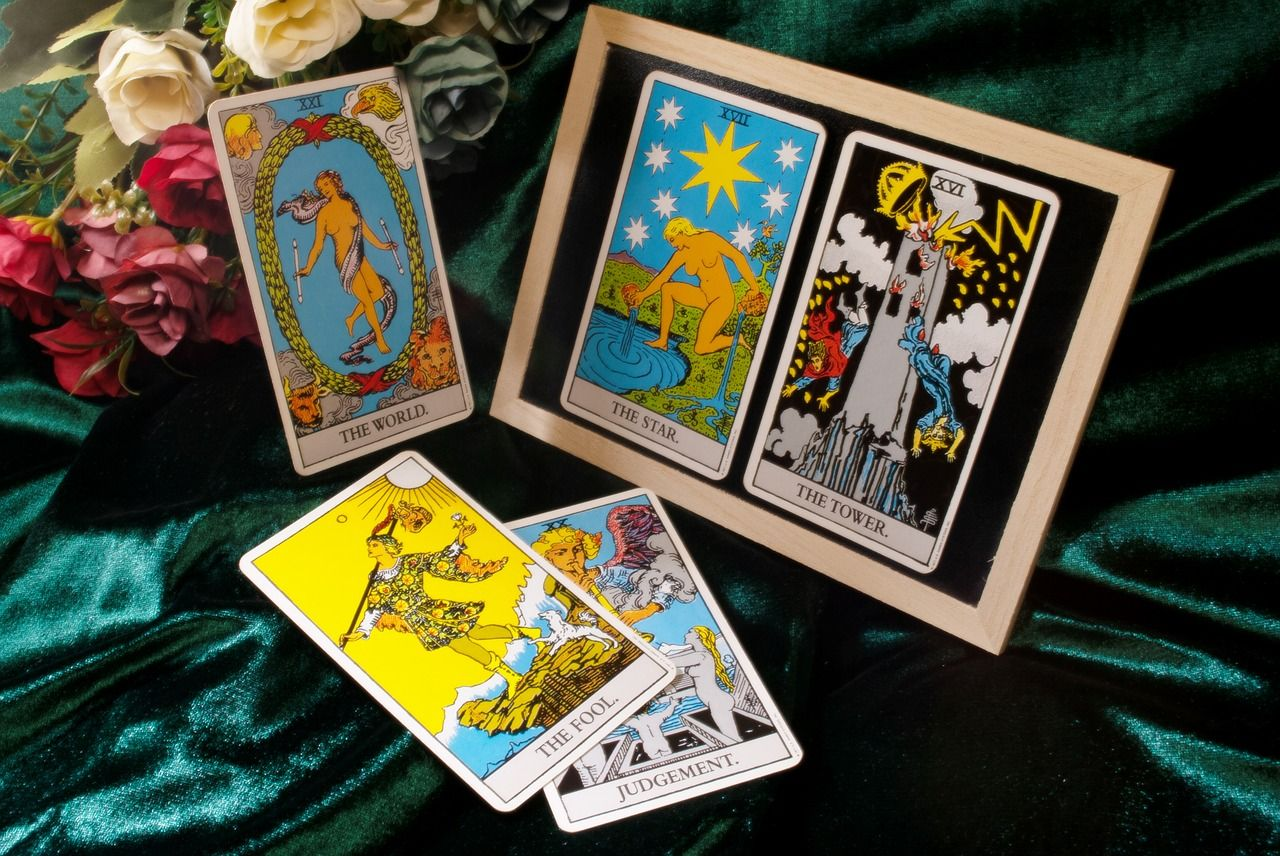 Free Tarot Reading – 2 Card Answer