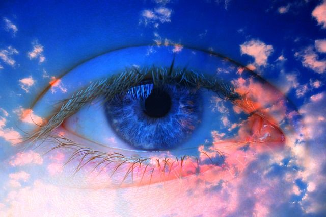 blue-eye-fantasy-in-blue-sky-small