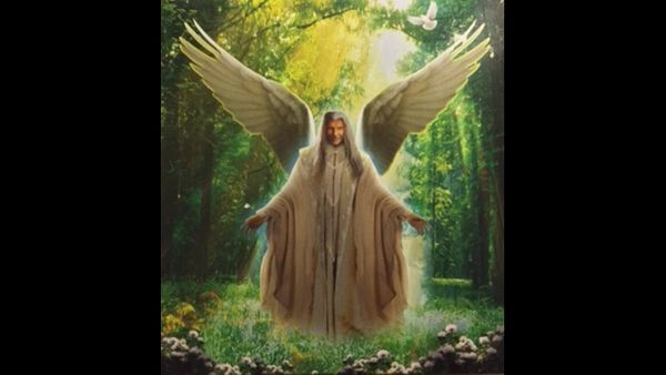 5 Steps to Communicate With Departed Loved Ones With The Help Of Archangel Azrael